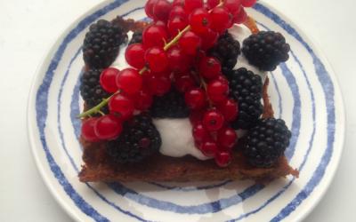 Ontbijtcake met rood fruit – histaminevrij